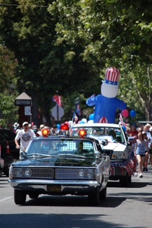 Post image for Menlo's big 4th parade kicks off