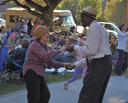 Fremont Park concert Menlo Park
