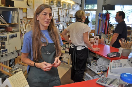Faces of Menlo: Lynn Macy of Pet Place