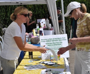 Post image for Menlo volunteer group takes aim at greenhouse gas emissions