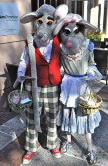 Dancing Mice Roaming Downtown Menlo Park