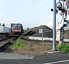 Rocks, lots of rocks, railroad rocks!