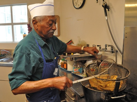 Post image for Menlo seniors cook up tribute to Dr. King