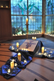 Post image for The spirit of Taizé comes monthly to Menlo Park