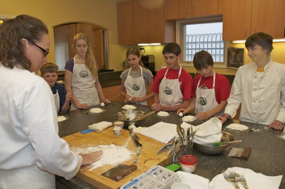 Chef Suzy Farnworth teaches Kids Fire & Knives