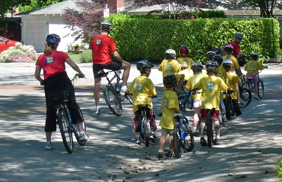 Young cyclists learn bike safety at Oak Knoll PTO sponsored event