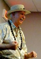 Author Bill Fernandez tells tales of Hawaii at the Menlo Park Library