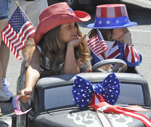Menlo shows its colors on the Fourth