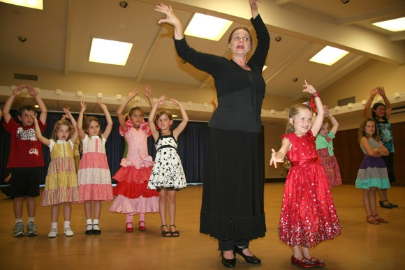 Rubina Valenzuela's kids flamenco classes in Menlo Park