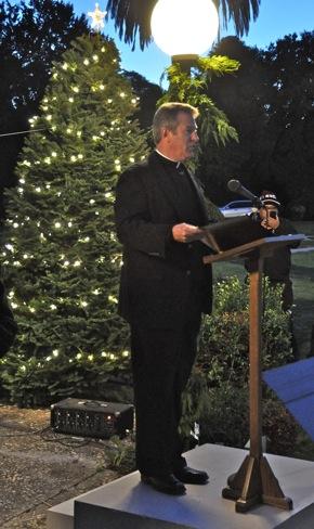 St. Patrick's Seminary starts Menlo's Christmas festivities