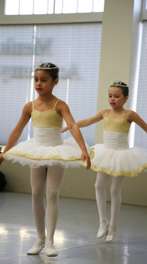 Young ballet dancers from Twas a Night Before Christmas