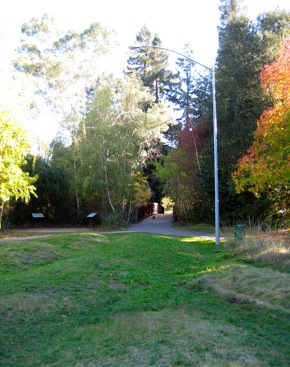 approach to Ira Bonde bridge in Menlo Park