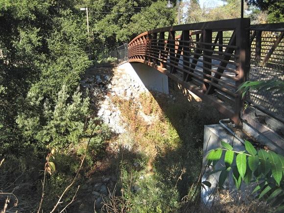 Under Menlo: Willow Place bike/pedestrian bridge