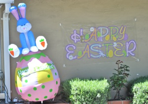 Easter inflatables in Menlo Park