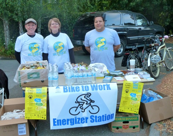 Bike to Work day volunteers in Menlo Park, CA