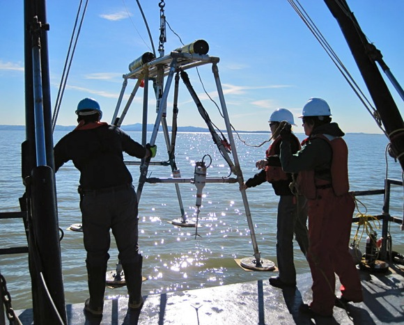 USGS scientists on San Francisco Bay