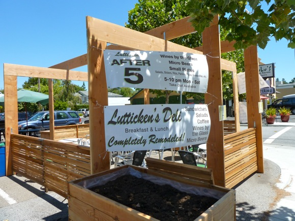 Lutticken's deli transforms itself at 5 o'clock to offer new food, new look