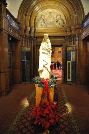 Annual tree lighting at St. Patrick's Seminary draws hundreds to reflect, celebrate the Christmas season