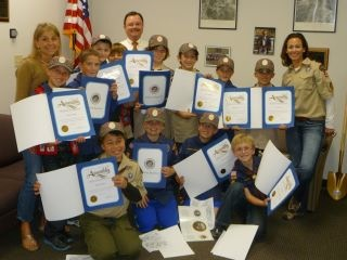 Assemblyman Rich Gordon with Menlo Park Cub Scouts