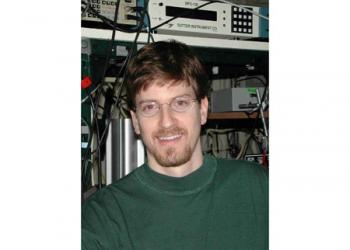 Mark Schnitzer, associate professor of biological sciences and of applied physics at Stanford