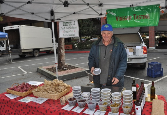 Jim Nofziger of Triple J farm in Pacific, CA at Menlo Park Farmers Market