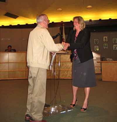 Menlo Park resident Frank Helfrich commended by Menlo Park Mayor Kirsten Keith