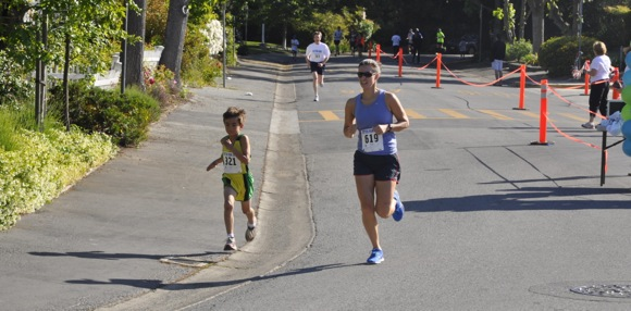 Orthodontist Scott Kaloust gives Oak Knoll School's Otter Run some pop