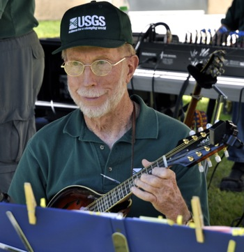 """USGS """"house band"""" Duckweed plays toe tappin' music"""