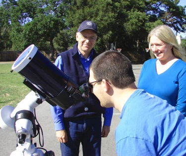 voters at Laurel School in Atherton view the Transit of Venus
