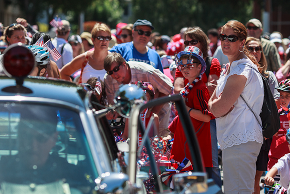 Kids and Families enjoy Menlo Park's Annual 4th of July Parade!