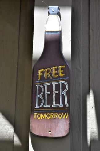 beer sign at Oasis in Menlo Park