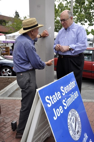 Senator Joe Simitian at Menlo Park farmers market