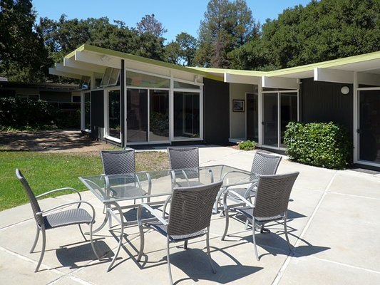 Eichler home in Menlo Park, CA