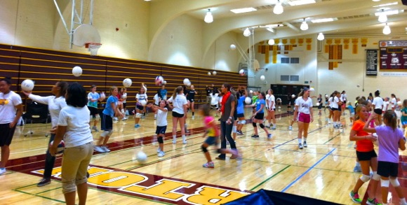 Menlo-Atherton Girls Volleyball team holds community clinic
