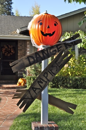 Halloween decorations in Menlo Park