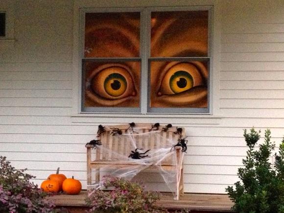 house decorated for Halloween in Menlo Park