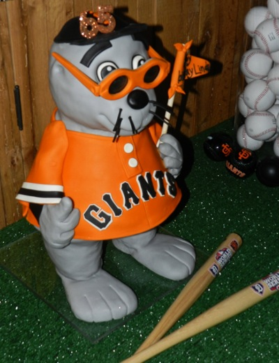 Lou Seal as an edible cake