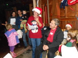 Annual tree lighting and holiday party is west Menlo Park neighborhood favorite
