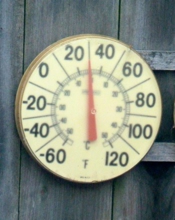 temperature dips just below freezing in Menlo Park