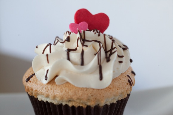 Angel Heart Cakes Valentines Day cupcake