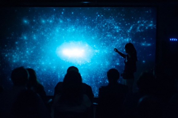 Kavli open house draws sell out crowd eager to learn more about astrophysics and cosmology