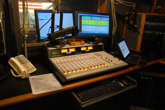 Menlo-Atherton High School's hidden gem – radio station KCEA, on the air since 1967