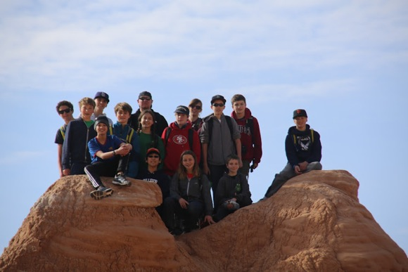 Hillview students on national park tour