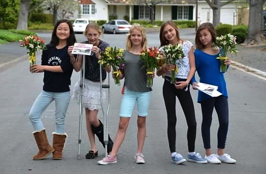 Hillview students delivering flowers