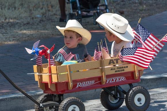 4th_cowboys in wagon_hori