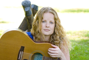 Blue Rock House Concert features two artists in Menlo Park on Saturday, August 24