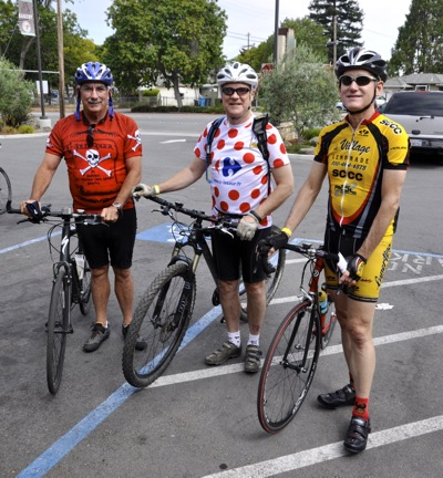 cyclists participate in Freewheel Brewing Company cycle event