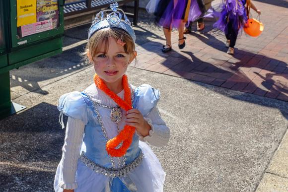 Menlo Park's Halloween Hoopla Parade 2013