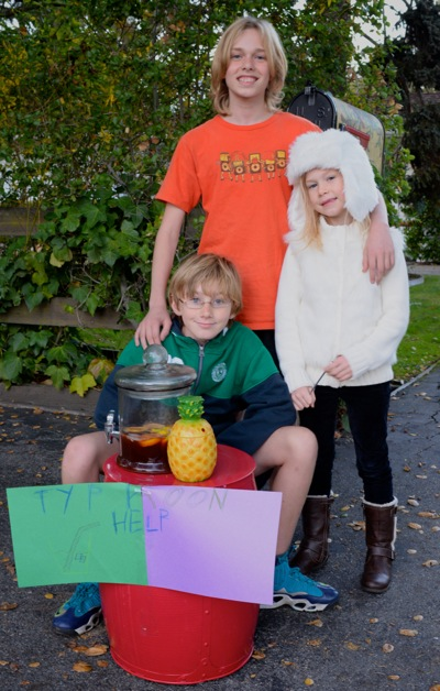 Spotted: Menlo Park kids selling lemonade for Philippine typhoon aid