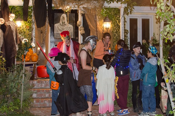 Post image for Halloween's a wrap in Menlo Park – and a good time was had by all